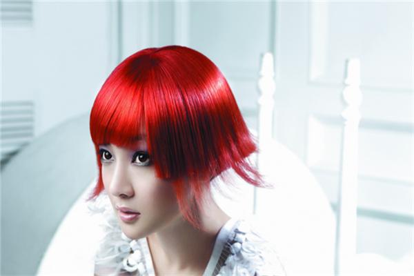 欧尚标榜美发发型师