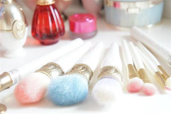 溥雅教育美妆工具