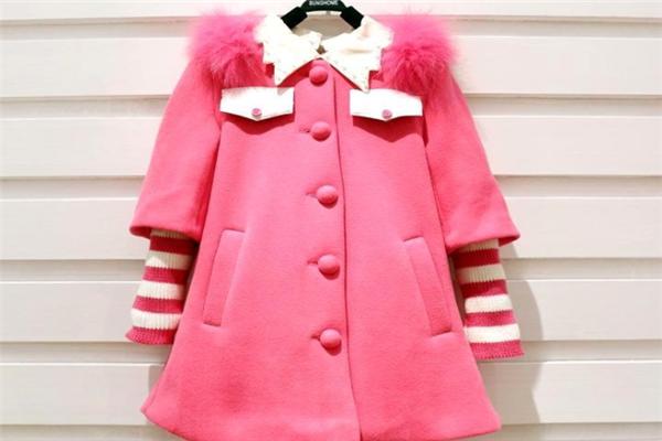 浪漫小猪童装大衣
