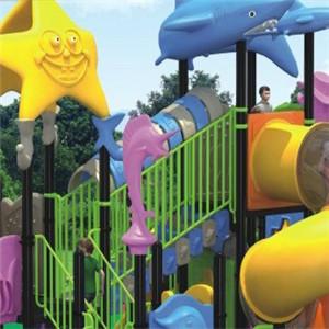 哆哆虫儿童乐园玩耍