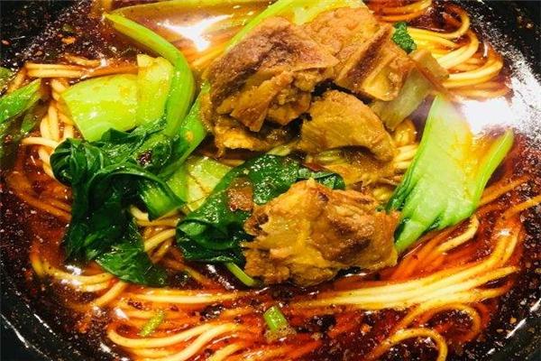 刘山厨辣鸡爪杂面条青菜