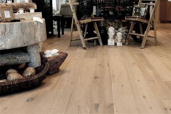 乐得仕软木地板石膏像