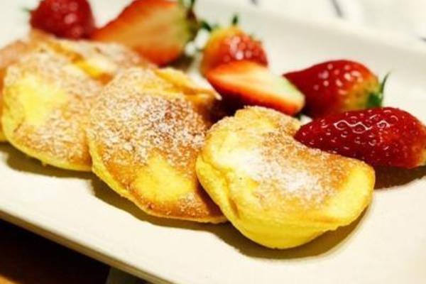 朱诺草莓舒芙蕾