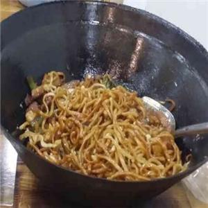 于記鐵鍋燜面菜品多
