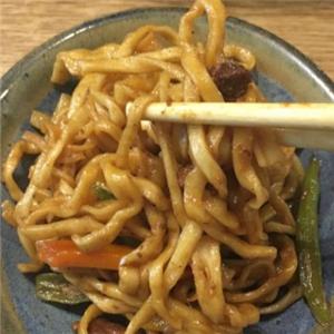 欢心谷舞铁锅焖面面鲜