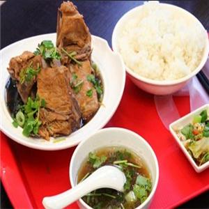 咏春排骨米饭