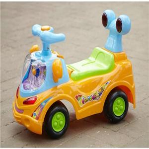 智樂堡兒童電動車