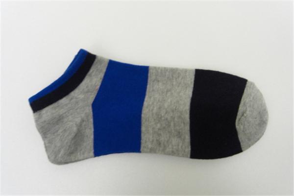 川上袜子款式多