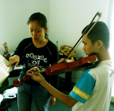 名師之生提琴培訓中心上課