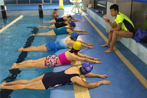 奥佳游泳教学