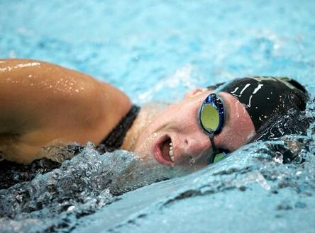 歐伴游泳健身加速