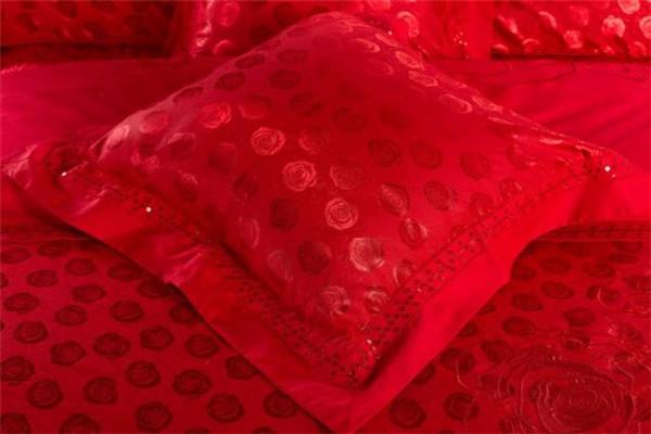 朗缦家纺大红