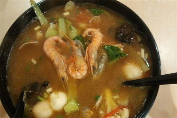 拉格濃湯海鮮面好吃