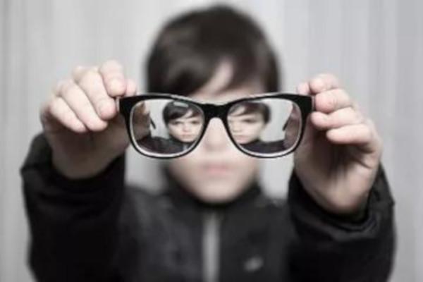 千佰视力康复近视