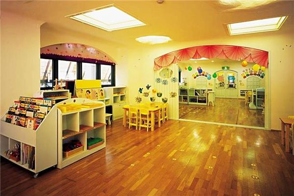 小橡树幼儿园教室