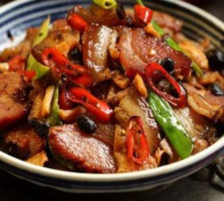 红色湘菜馆