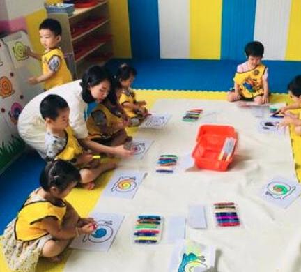 億禾林国际早教玩乐