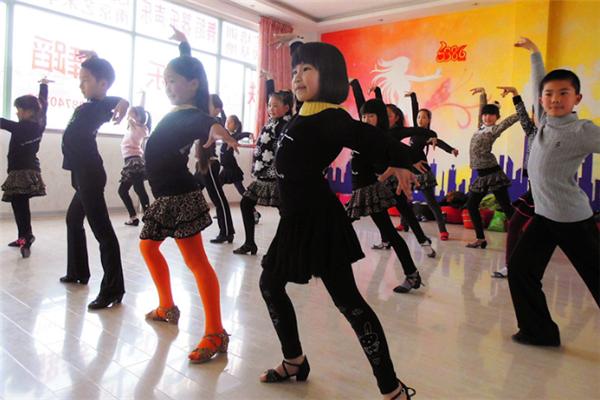 小雅音乐舞蹈俱乐部课堂