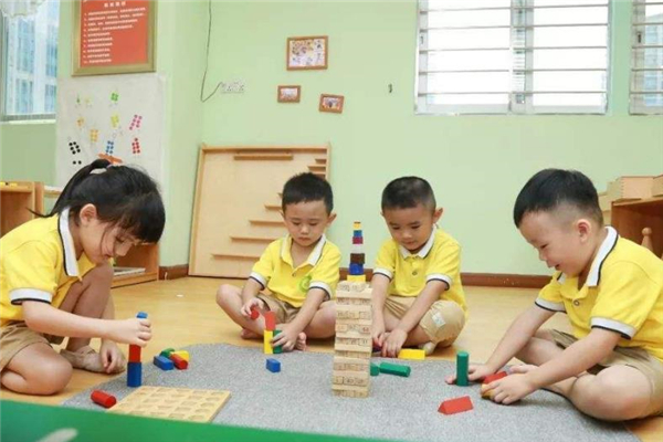 棒吉拉国际早教中心学习