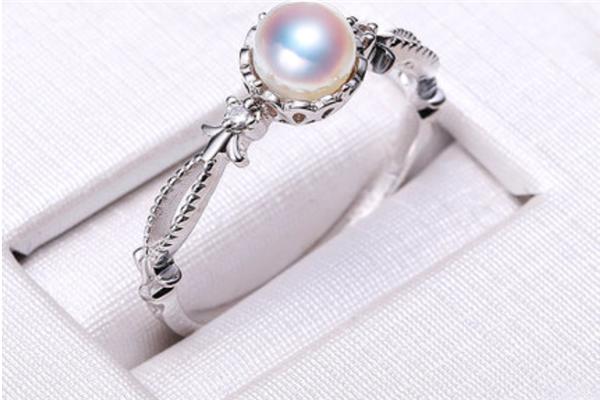 銀荷珠寶展示