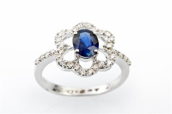 金晴珠宝戒指