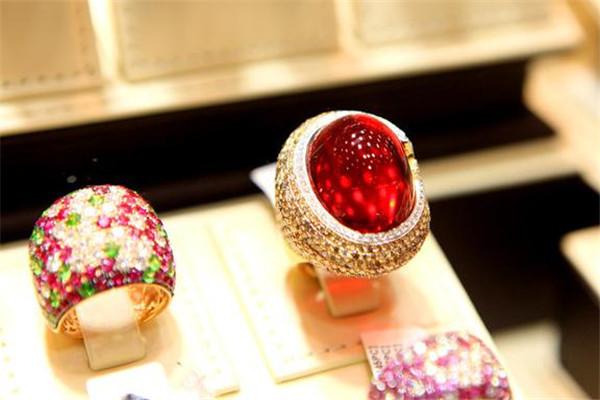 柯瑩珠寶2個