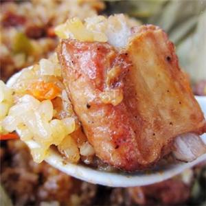 飄香人家排骨米飯油炸