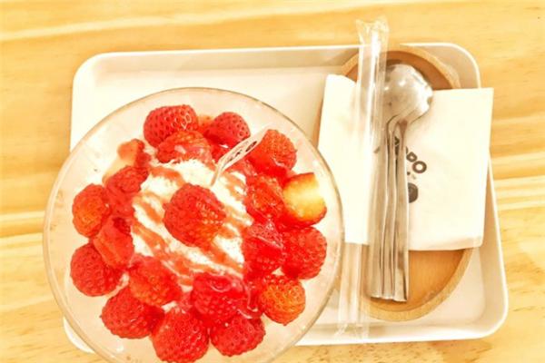 popomilk婆婆鲜奶坊草莓