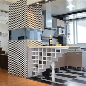 中宅廚房裝飾