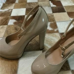 哈森皮鞋高跟鞋