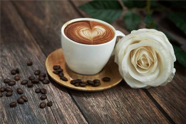 饋世咖啡牛奶
