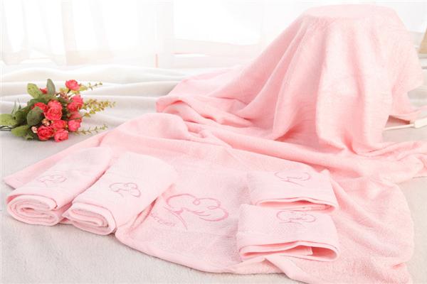 蝸品浴巾粉色