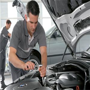 卡侎汽车保养快修修理工