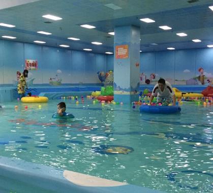 海豚啵啵婴童游泳馆多人