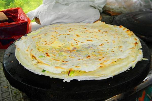 嘎嘣脆菜煎饼美食