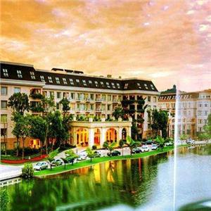 彌勒湖泉酒店加盟