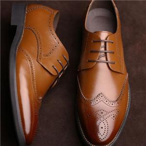布洛克皮鞋金貴