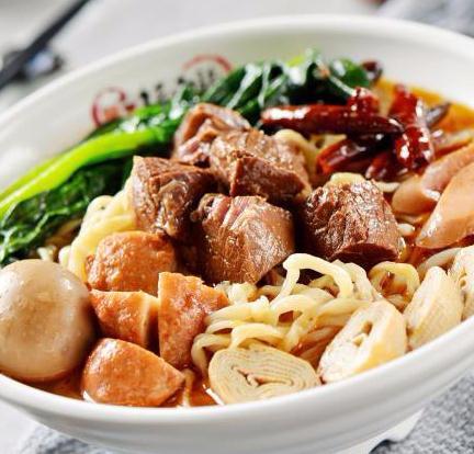 红焖王牛肉板面