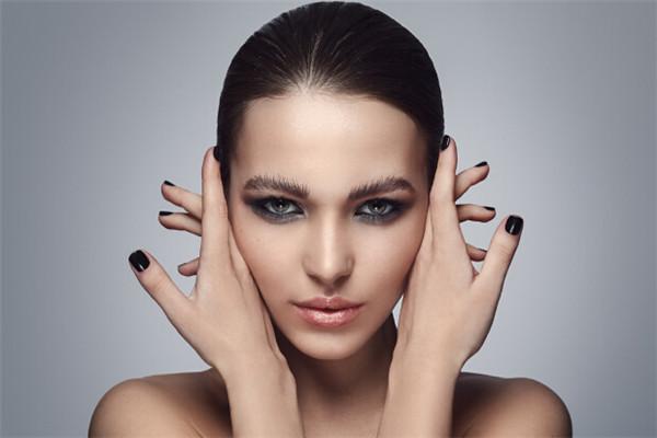 格式美妆时尚