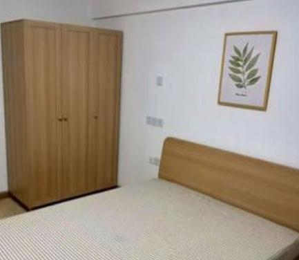 吉家中介卧室