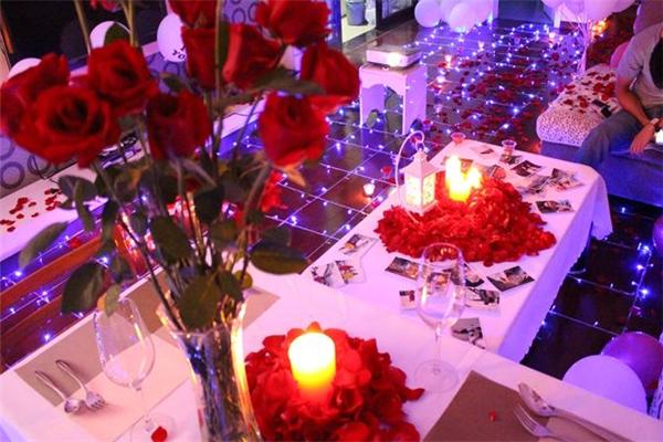龙海求婚策划公司桌子