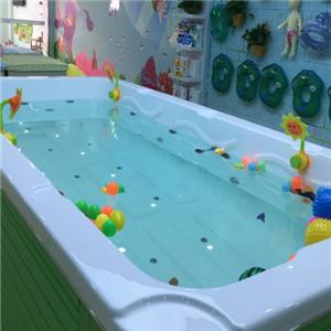 爬爬熊嬰童游泳館水球