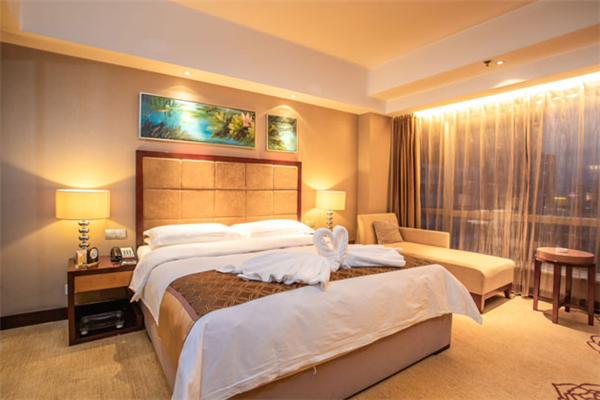 朗寓酒店大床房