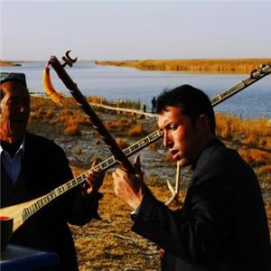 民丰旅游民族乐器演奏