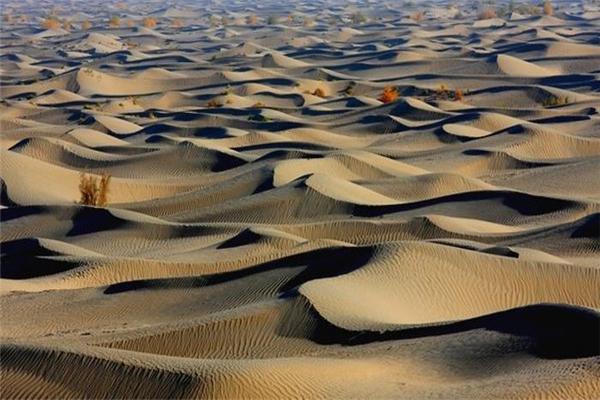 民丰旅游荒芜沙漠