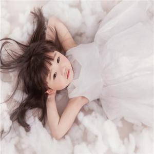 芭迪国际儿童摄影小女孩