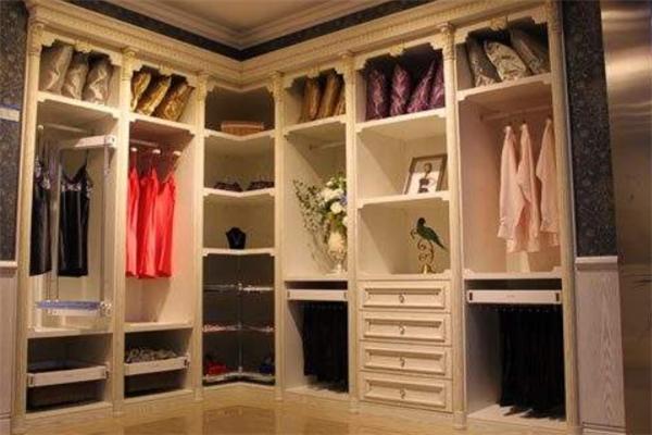 康潔衣柜展示