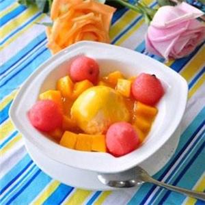 living甜品水果湯