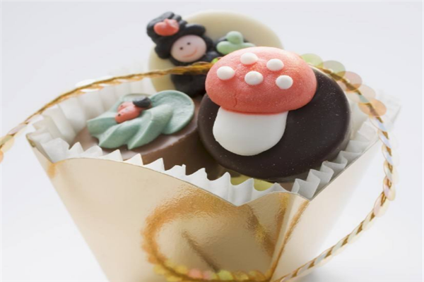 living甜品蘑菇蛋糕