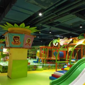 森林兒童樂園滑滑梯